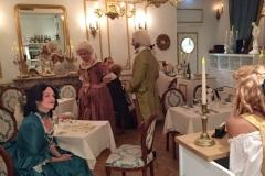 Dîner de salon au 18ème siècle