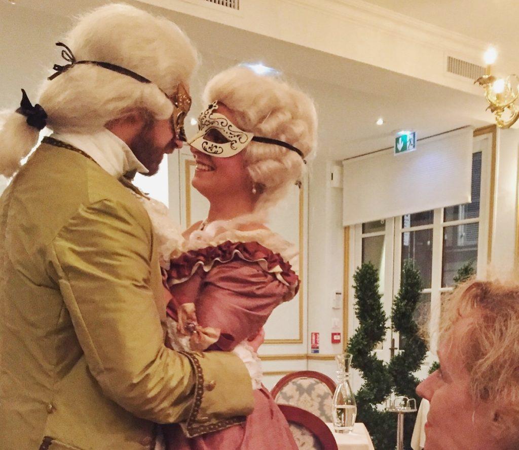 Théâtre à la table - Le Nôtre & les secrets des jardins - Accolade romantique