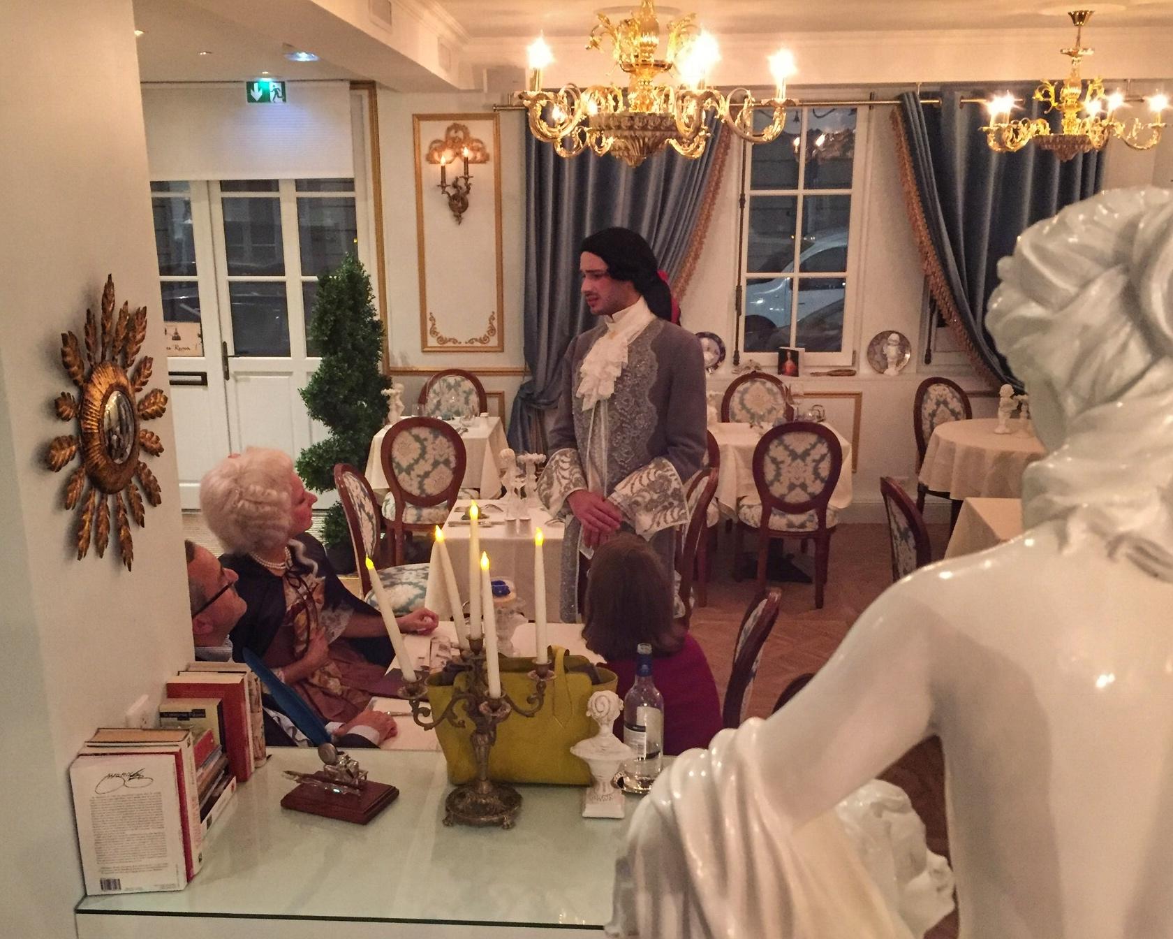 Scandales à la cour du Roi Soleil - Théâtre à la table