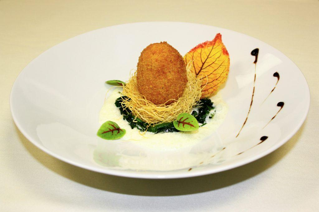Photographies Menus gastronomiques aux recettes d'époque - œuf sur nid d'épinards