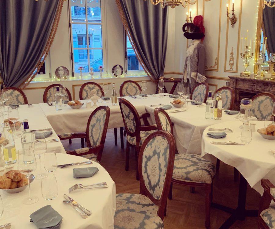 Entreprises & Groupes - Salon Cheminée - Banquet royal en U