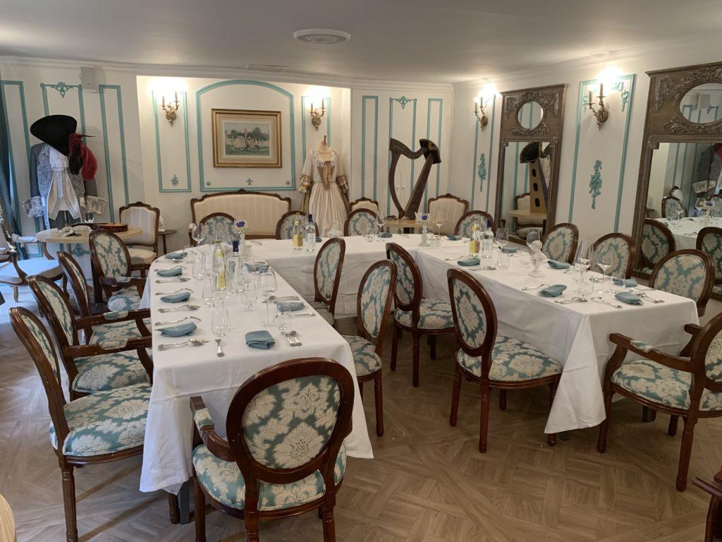 Photographies Entreprises & Groupes - Salon 1 étage - Banquet Royal - Table en U nappée