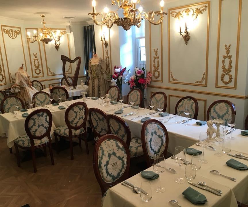 Entreprises & Groupes - Salon jardin d'hiver - Table en U Banquet
